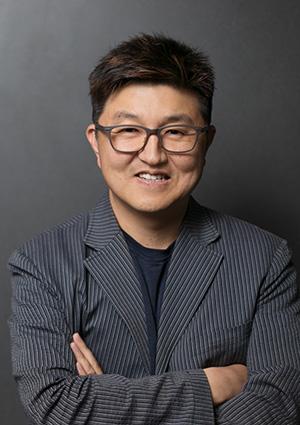 Jungwoo Ryoo headshot