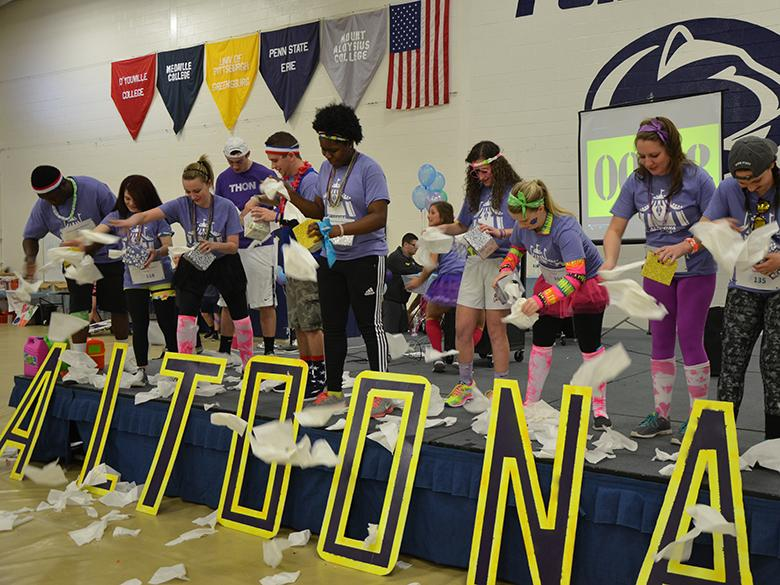 Student get ready for THON