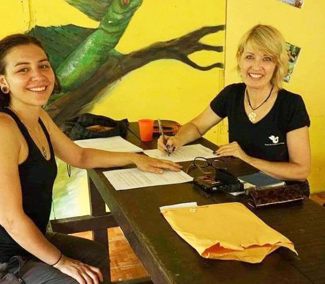 Angie Spagnoli și Jacqueline McLaughlin