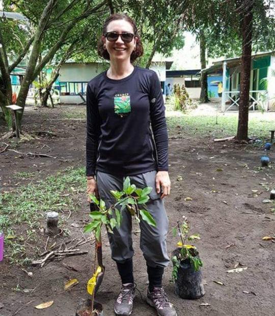 Spagnoli se află în gara Las Tortugas din Barra de Pacuare, Costa Rica, unde a ajutat la plantarea unei grădini medicinale pentru localnici.
