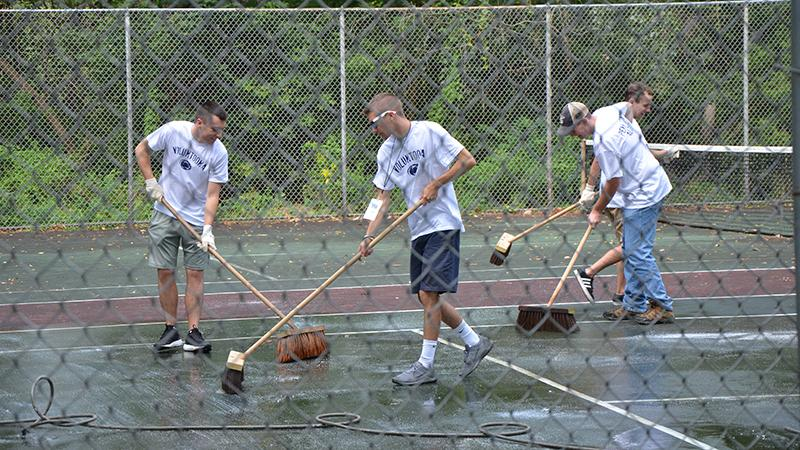First year students participate in the Voluntoona community service event.
