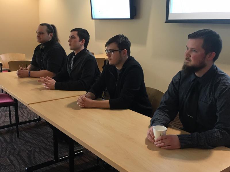 Senior English students offer seminar presentations