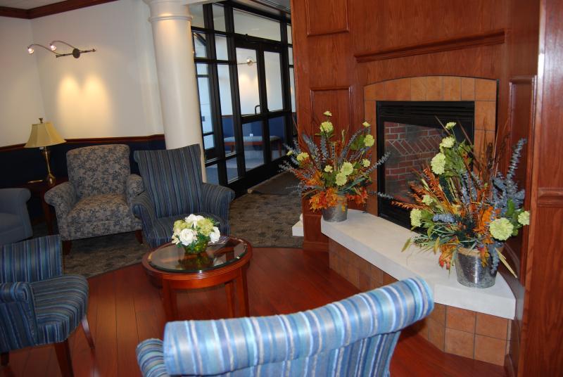 Kazmaier Family Building Visitors' Lounge