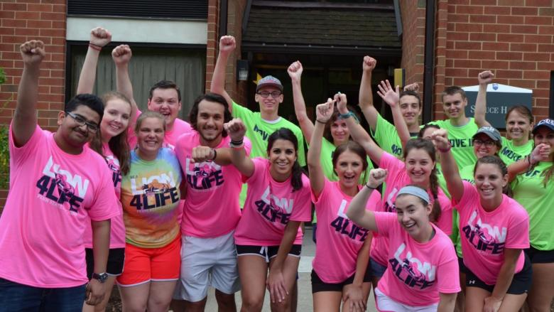 Orientation leaders posing during move-in