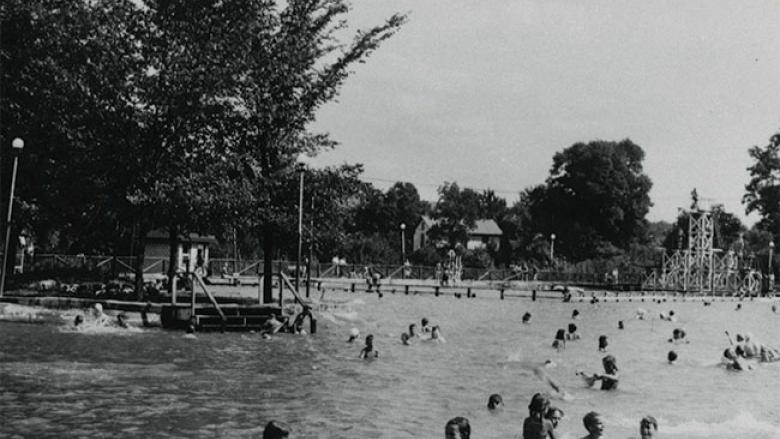 Vintage photos of Ivyside pool in Altoona circa World War II.