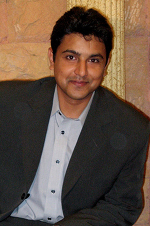 Syed Rizvi headshot